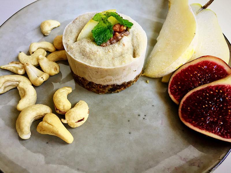 Raw cake figue, poire et noix