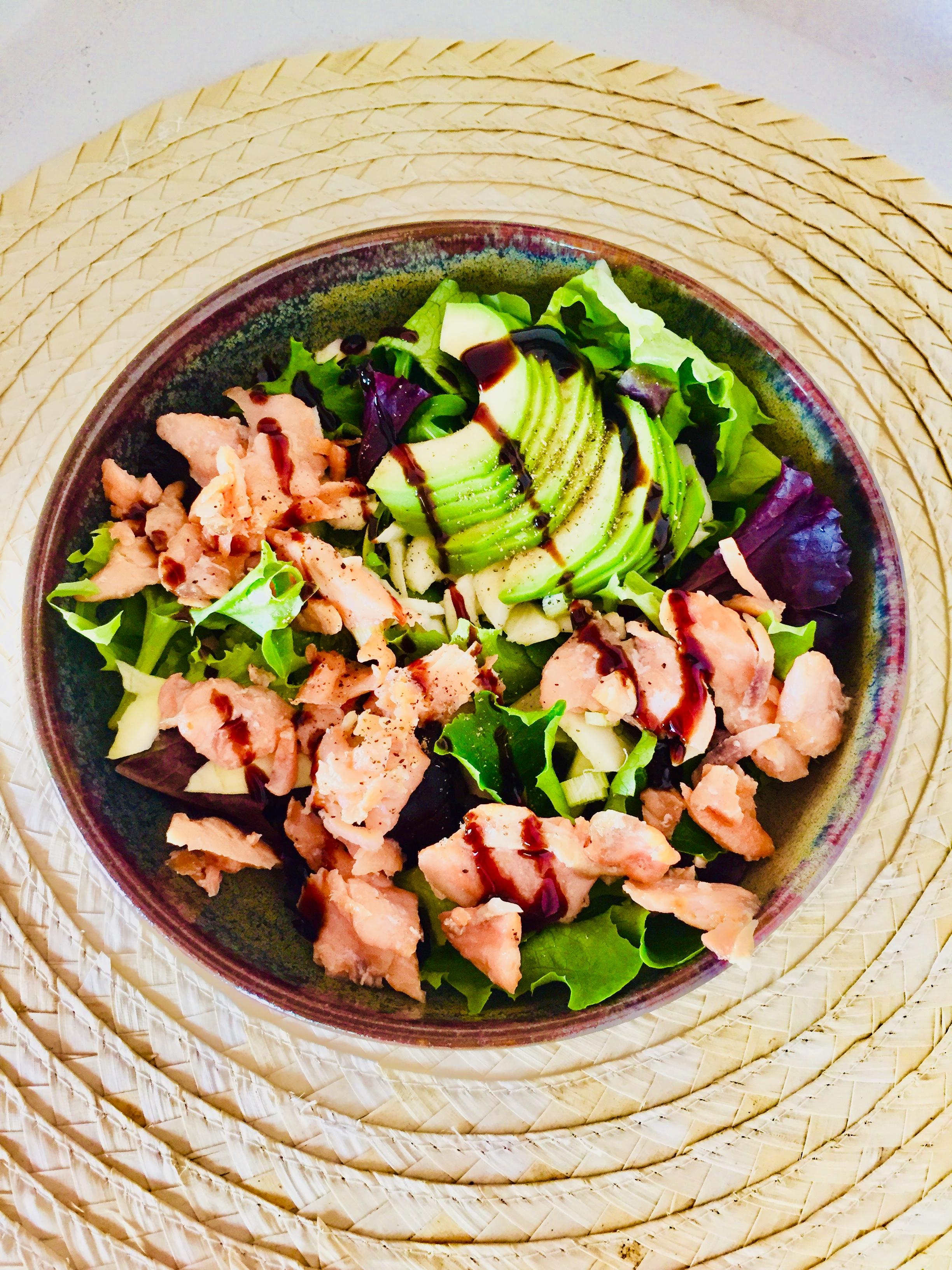 Salade de saumon et avocats